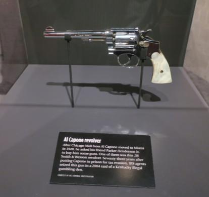 アルカポネ愛用の銃