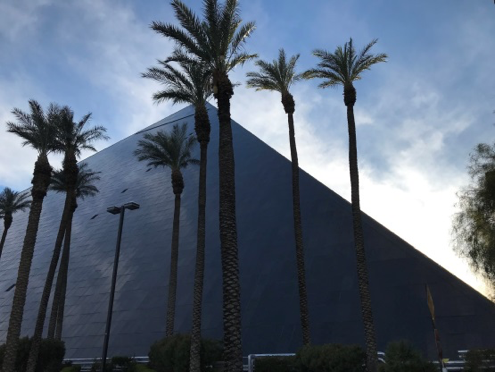 Luxor Hotelのピラミッド