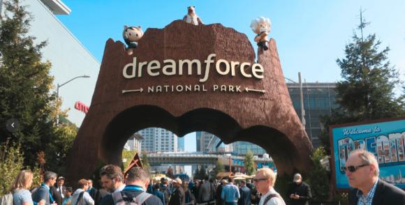 Dreamforce会場入り口