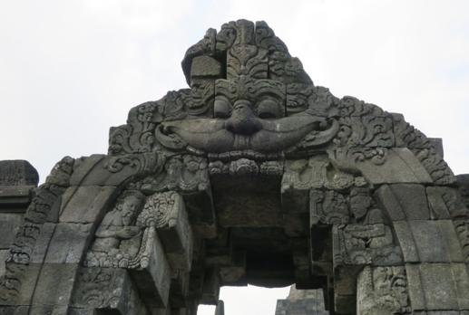 仏教遺跡ボロブドゥール寺院にみられるヒンドゥー教の神様