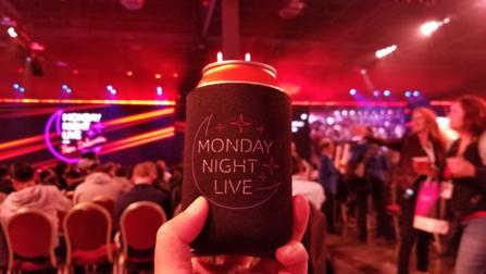 ビール缶とカバー