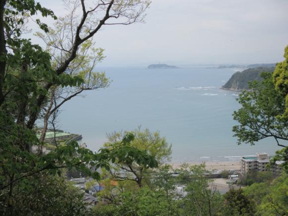 2号墳から相模湾を望む(江の島)