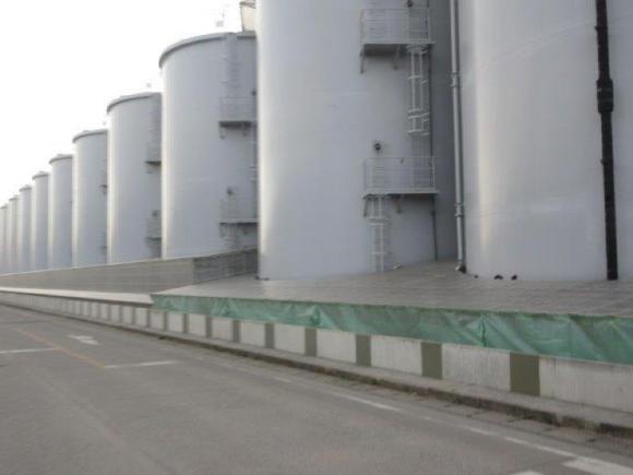 汚染水タンク