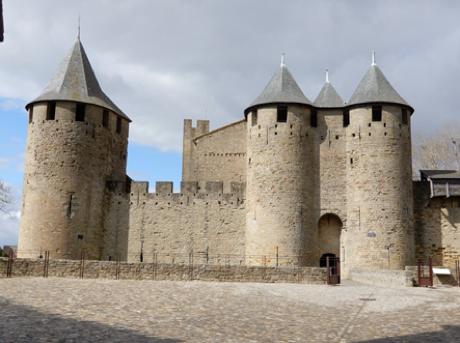 カルカッソンヌ城内のコンタル城