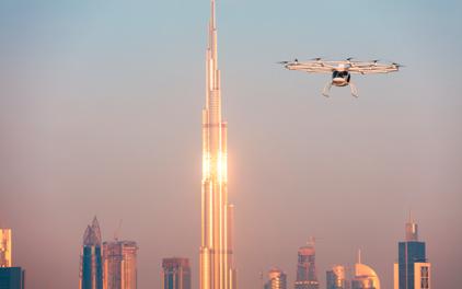 ドバイ上空を飛行するVolocopter