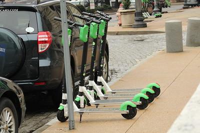 ベルリンでシェア電動キックボード「Lime」に乗る ~日本国内展開への可能性と課題