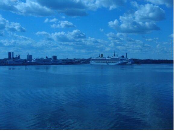 【写真7】フェリーから見たエストニア・タリンの街