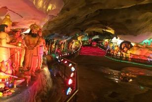 【写真6】Ramayana Cave内部